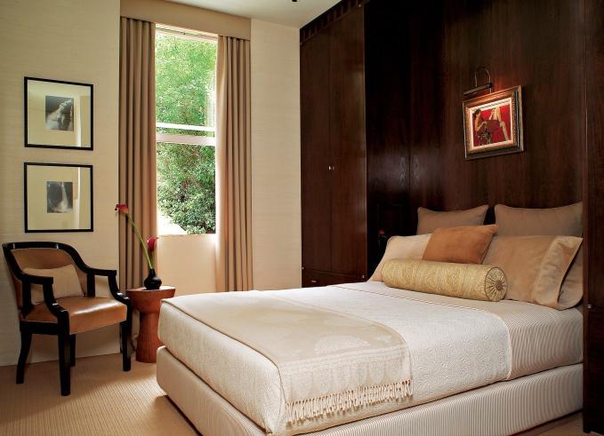 Кровать у стены дизайн