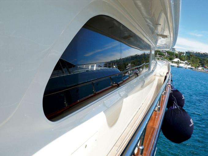Действительно, частная яхта
