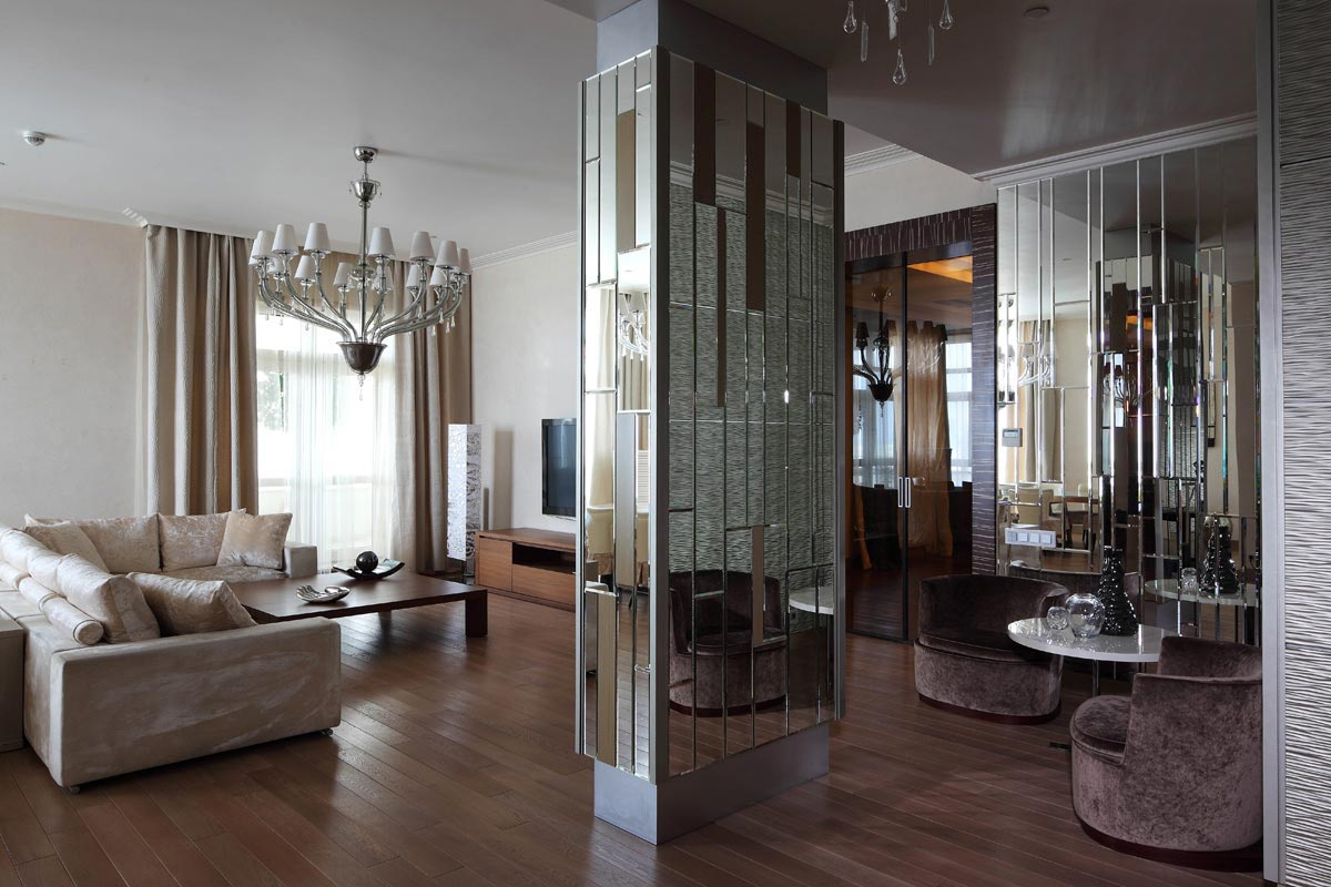 Интерьеры с зеркальными колоннами